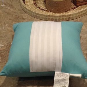NWOT teal accent pillow with white pleats.